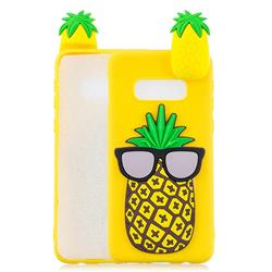 Big Pineapple Soft 3D Climbing Doll Soft Case for Samsung Galaxy S10e (5.8 inch)