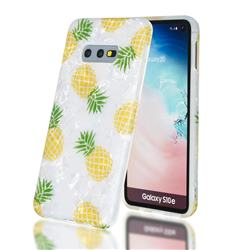 Yellow Pineapple Shell Pattern Clear Bumper Glossy Rubber Silicone Phone Case for Samsung Galaxy S10e (5.8 inch)
