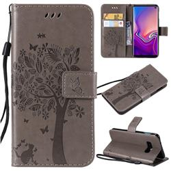 Embossing Butterfly Tree Leather Wallet Case for Samsung Galaxy S10e(5.8 inch) - Grey
