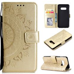 Intricate Embossing Datura Leather Wallet Case for Samsung Galaxy S10e (5.8 inch) - Golden