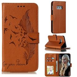 Intricate Embossing Lychee Feather Bird Leather Wallet Case for Samsung Galaxy S10e (5.8 inch) - Brown