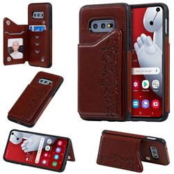 Yikatu Luxury Cute Cats Multifunction Magnetic Card Slots Stand Leather Back Cover for Samsung Galaxy S10e (5.8 inch) - Brown