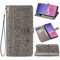 Embossing Dog Paw Kitten and Puppy Leather Wallet Case for Samsung Galaxy S10e (5.8 inch) - Gray