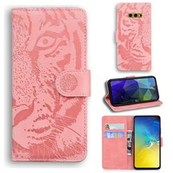 Intricate Embossing Tiger Face Leather Wallet Case for Samsung Galaxy S10e (5.8 inch) - Pink