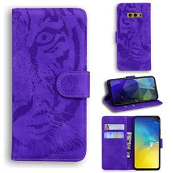 Intricate Embossing Tiger Face Leather Wallet Case for Samsung Galaxy S10e (5.8 inch) - Purple