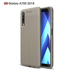 Luxury Auto Focus Litchi Texture Silicone TPU Back Cover for Samsung Galaxy A7 (2018) - Gray