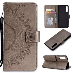 Intricate Embossing Datura Leather Wallet Case for Samsung Galaxy A7 (2018) - Gray
