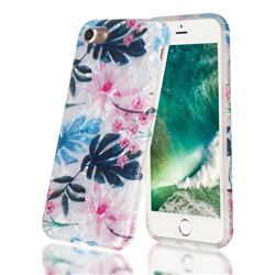 Flowers and Leaves Shell Pattern Clear Bumper Glossy Rubber Silicone Phone Case for iPhone 8 / 7 (4.7 inch)